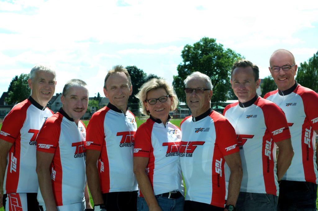 Vorstand Radsport    (von links nach rechts) Bernhard - Presse  / Werner - Beisitzender im HV /  Roland - Stvtr. Vorsitzender /  Sabine - Fest- und PTF-Wartin /  Horst - Rechner und Reiseleiter / Harry- Fest und RTF-Wart  Enno - 1. Vorsitzender